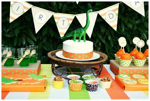 Dinosaur Party Table