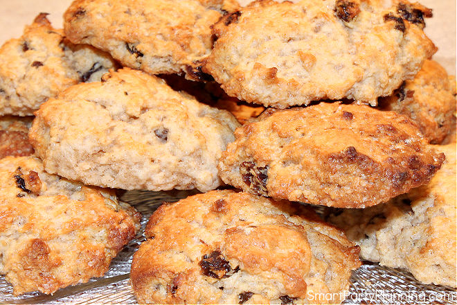 rock cakes on a plate