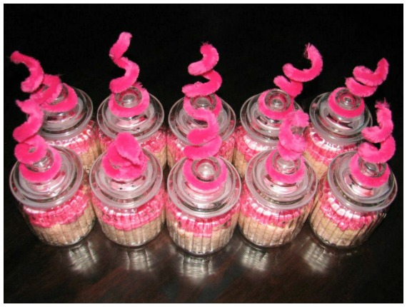 Peppa Pig Cupcake Tails On Top Of A Jar