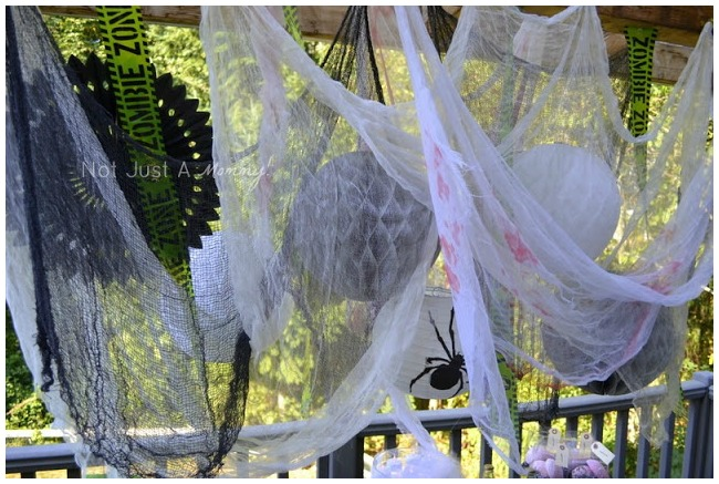 Spooky hanging decoration