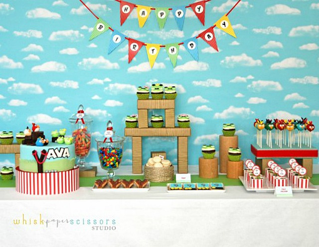 Bright and cheery Angry Birds Party