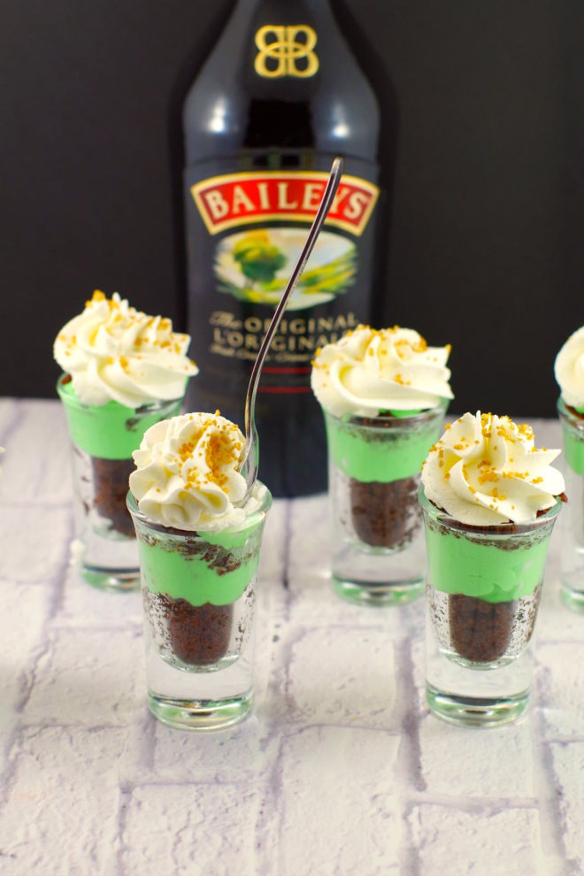 Irish-Cream-Dessert-Shots
