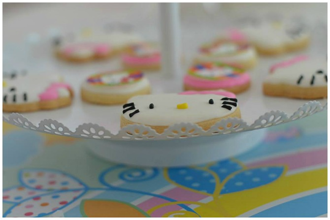 Hello Kitty Cookie Stand