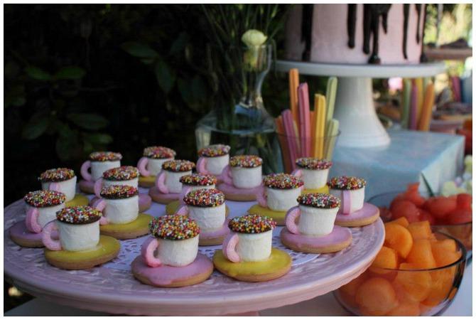 Marshmallow Tea Cups