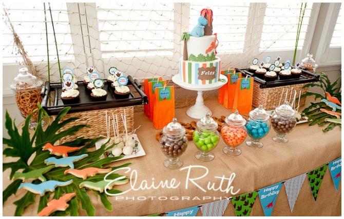 Dinasour dessert table