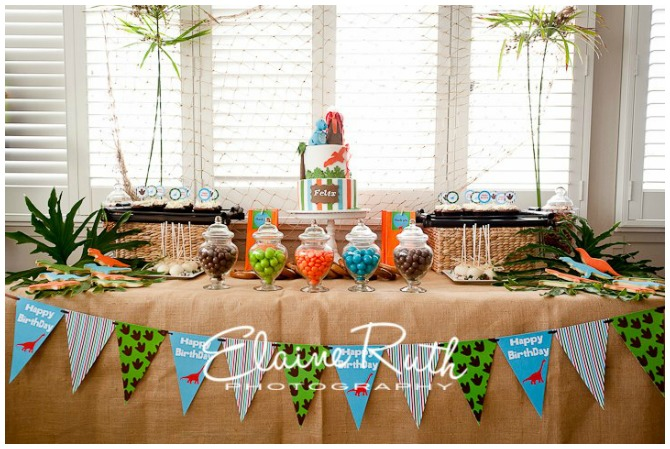 Dinosaur Birthday Party table display