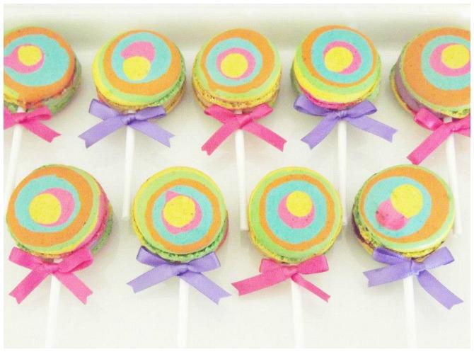 Lollipop macarons