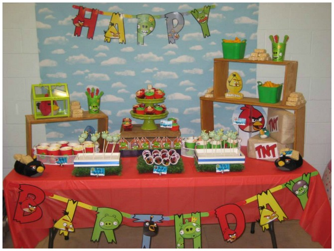 Fun angry birds birthday party for Angry birds party decoration ideas