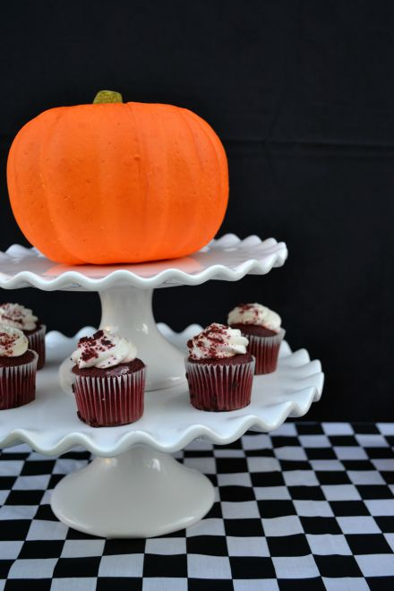 Halloween Pumpkin Cake Plate