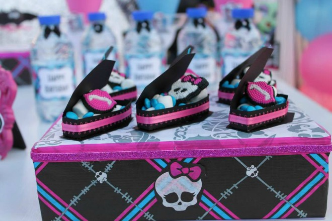 Monster High decorated box