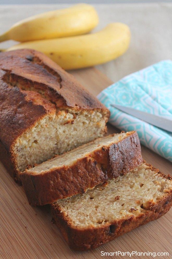 Easy moist Banana Bread recipe