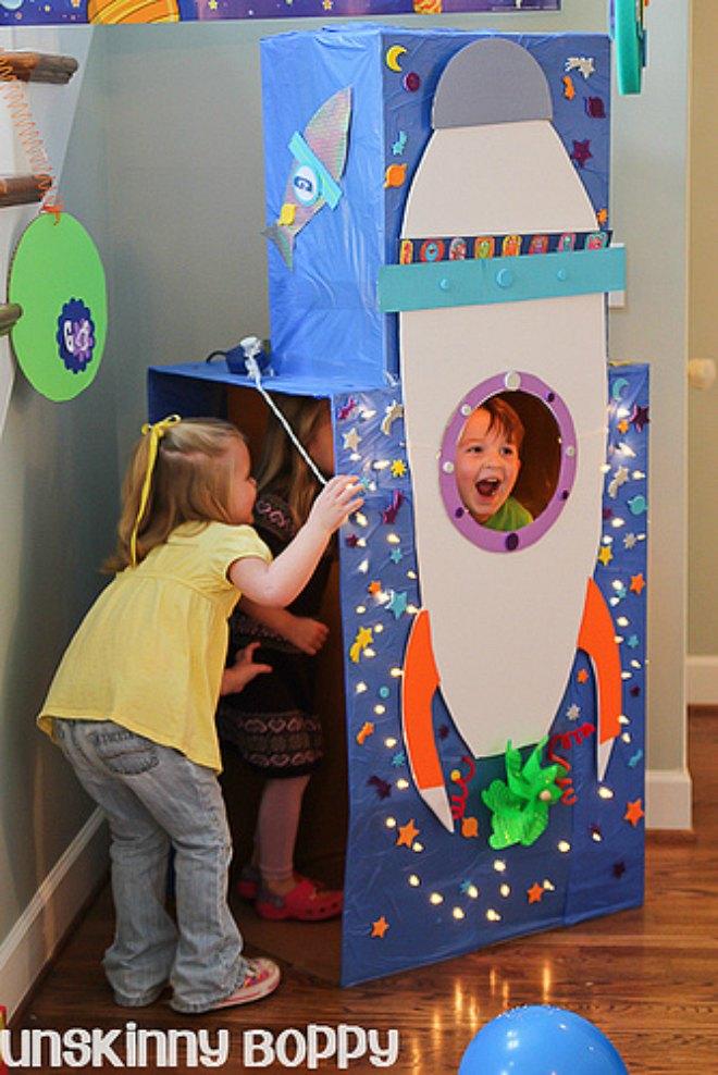 Spaceship photo booth