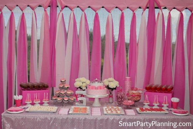 Tablecloth backdrop Princess Party