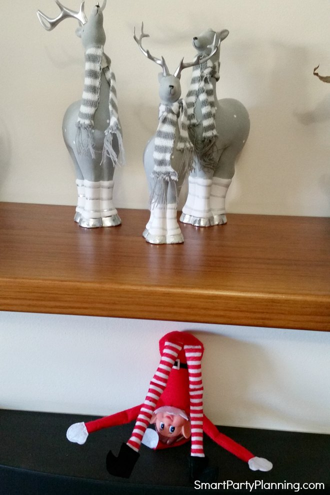 elf on the shelf does a handstand