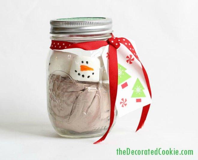 marshmallow-snowman-hot-cocoa-jars