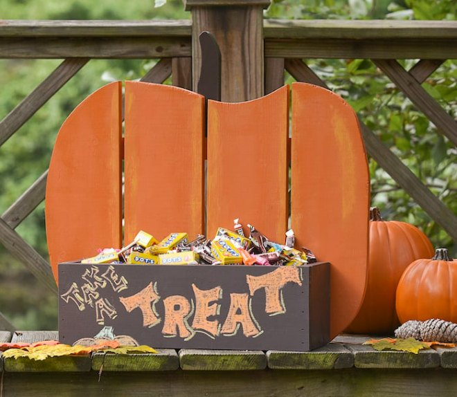 How-to-make-a-rustic-pumpkin-for-your-porch