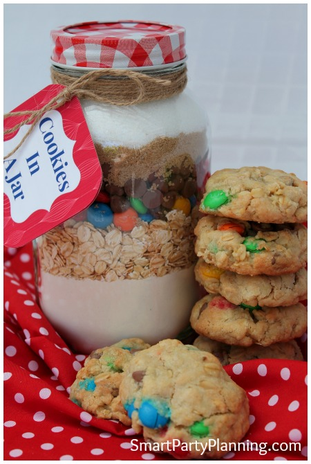 Cookie mix in a jar and baked cookies