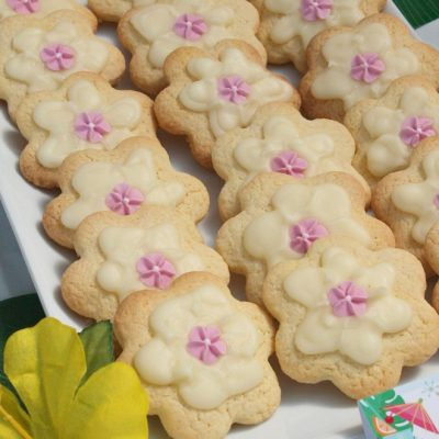 How To Easily Make Tropical Flower Cookies