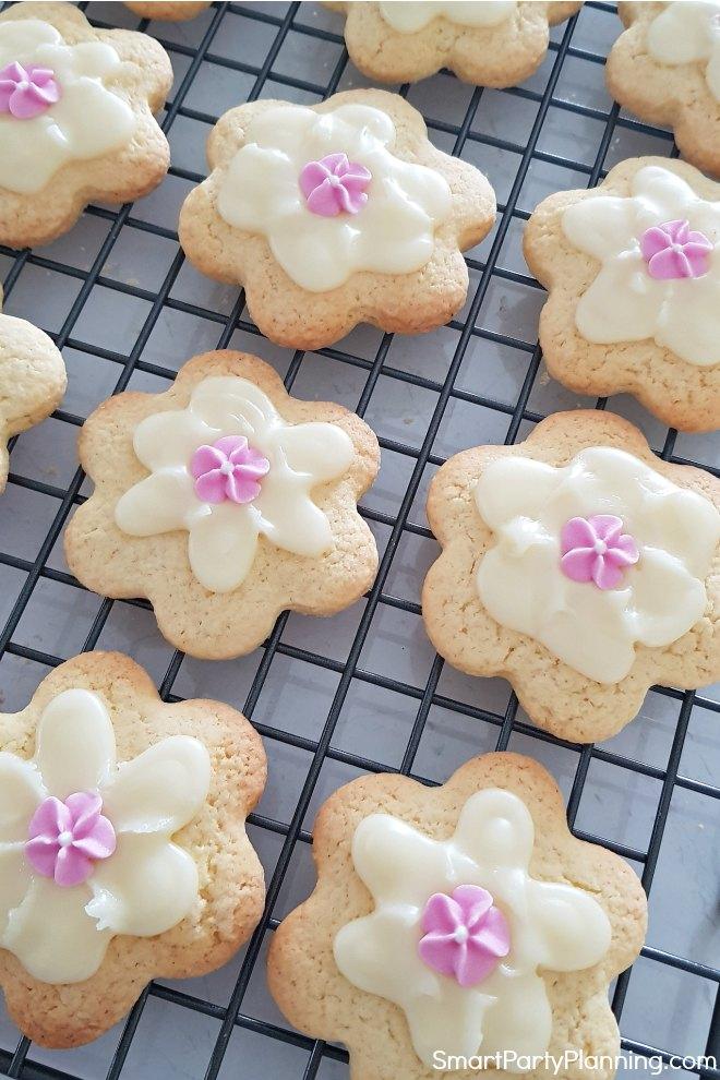 Pretty flower cookies