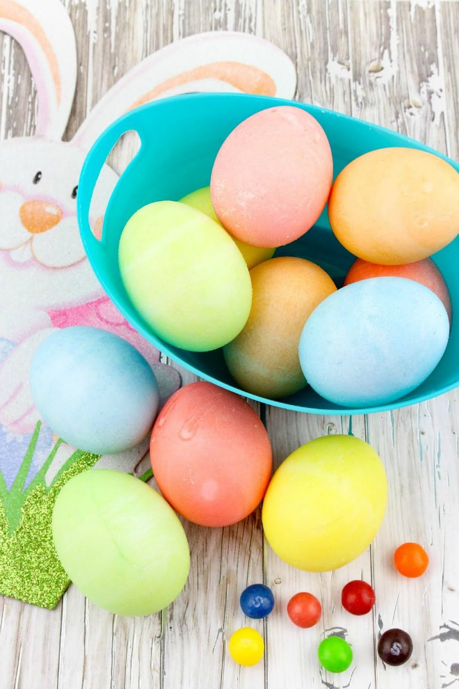 How To Dye Easter Eggs The Easy Way