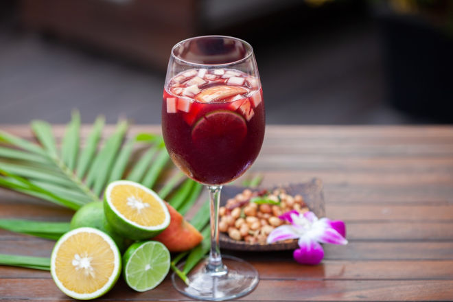 Sangria with fruit
