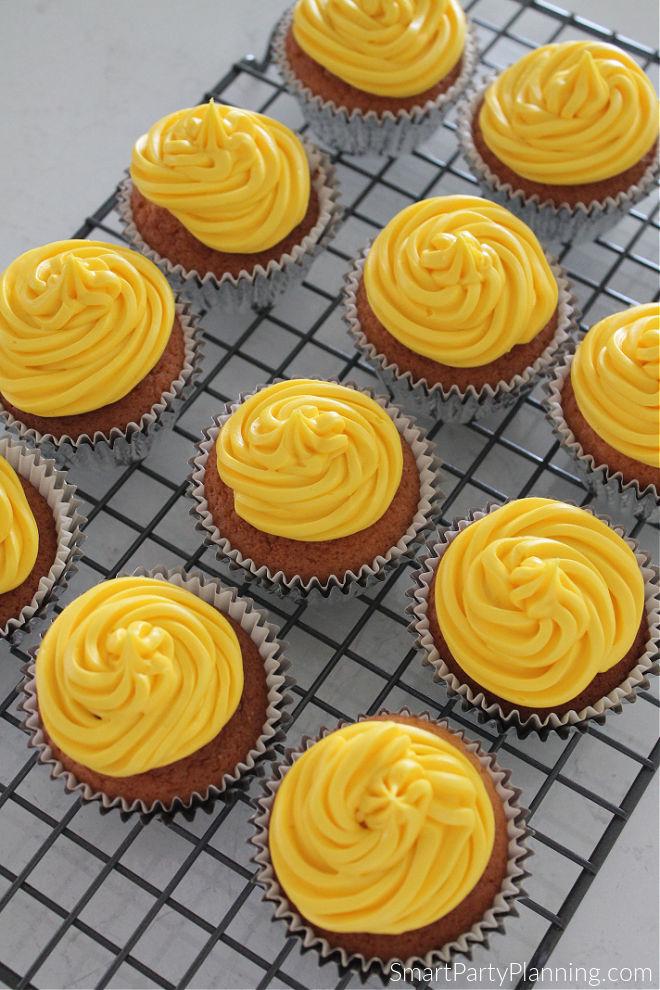 Cupcakes with yellow buttercream swirl